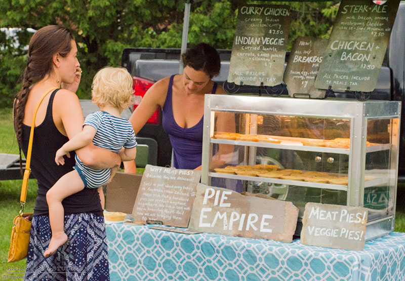 Jericho Farmers' Market Opens | Eat Locally Grown Foods!